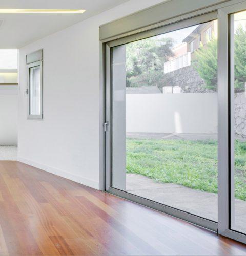 2-Puertas y ventanas correderas